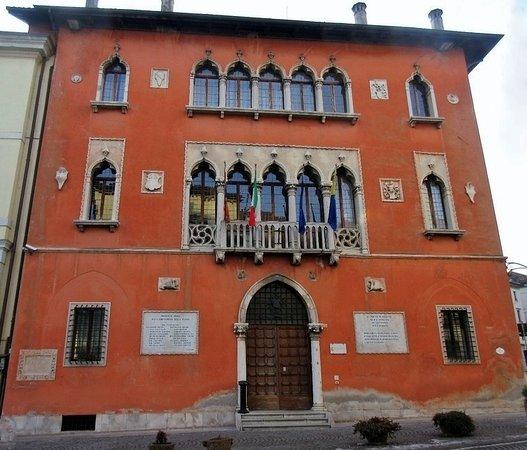 Belluno Palazzo del Municipio