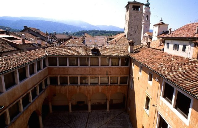 Palazzo Crepadona Carrera a Belluno