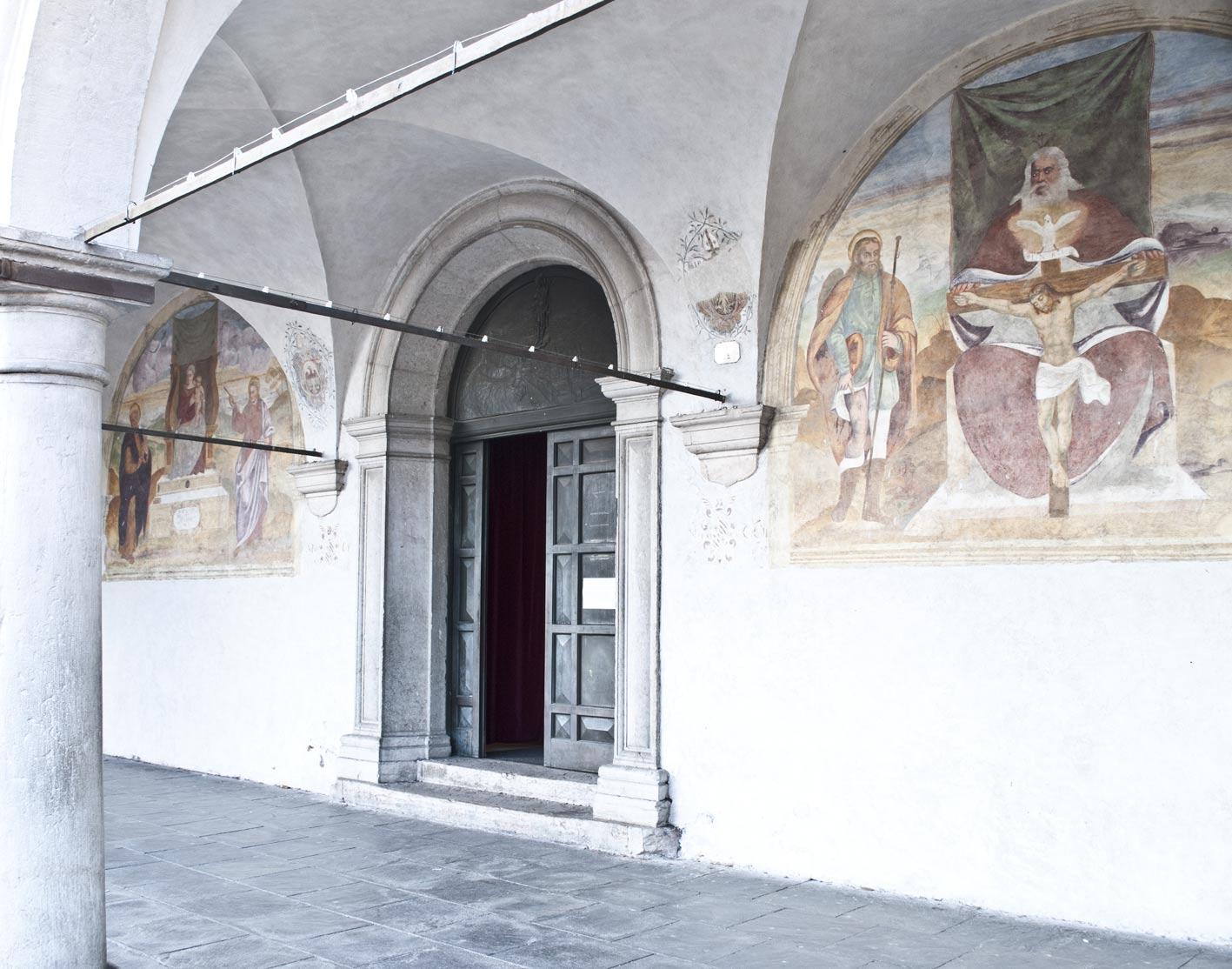 ingresso della chiesa di San Rocco a Belluno
