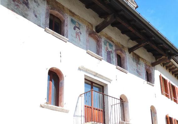 Casa Secco bassorilievi